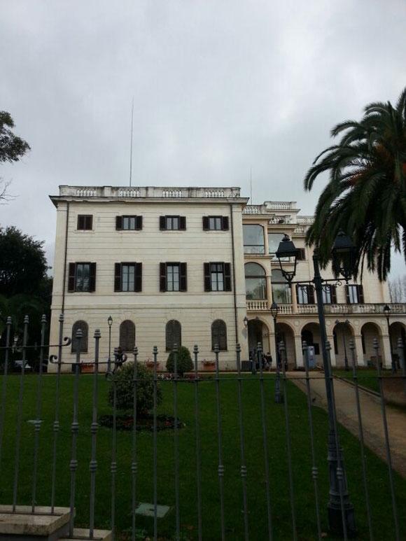 Le Antenne di IIØCW e IQØAP sulla sommità di Villa Adele, sede del museo dello Sbarco e Museo dell'Archeologia di Anzio.