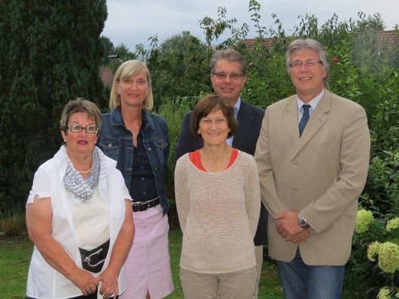 Der aktuelle Vorstand : von links Evi Geisler, Angelika Drießen, Dagmar Hoehne, Jürgen Durski, Eppo Ortlieb.
