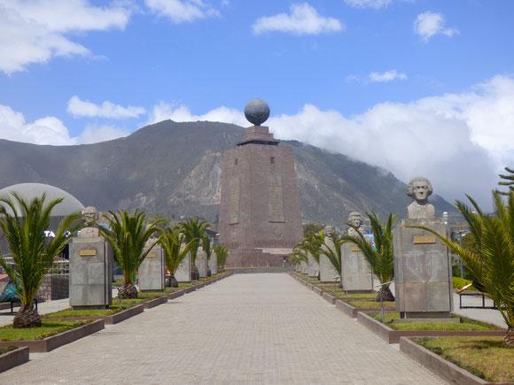 Ecuador - Denkmal am Äquator