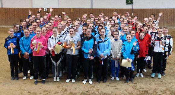 Viel Spaß hatten die Teilnehmer an der Kreis-Voltigiermeisterschaft beim RV Dülmen. Foto: Pereira