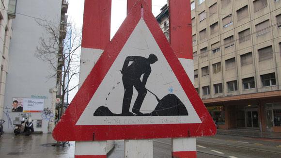 The Meaning of Life, erschlossen im Bahnhofsviertel von Genf