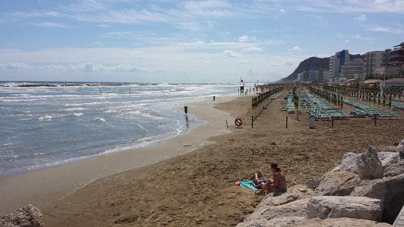 Der Strand in Pesaro