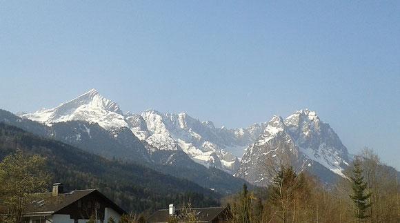 Ausblick von Garmisch auf die Zugspitze