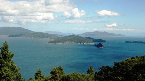 祝島から見た原発計画地―田ノ浦―