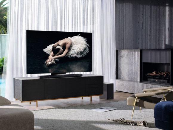 Samsung Fernsehgeräte mit Soundbar Aufstellösung Wohnzimmer
