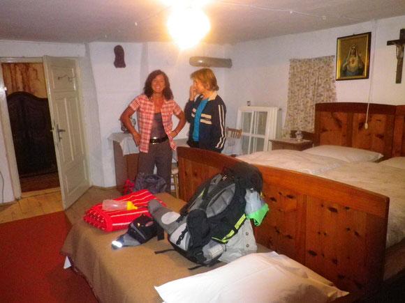 Anni Wartet schon voll Sorge auf uns und hat uns ein gemütliches Nachtlager im schönen Südtiroler Bauernhof bereitet