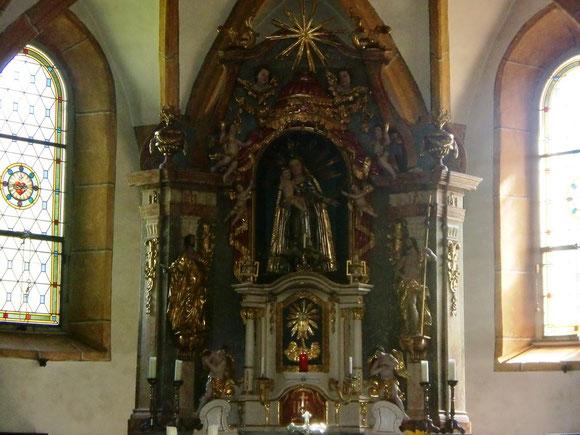 Der Hochaltar in der Pfarrkirche Stiwoll
