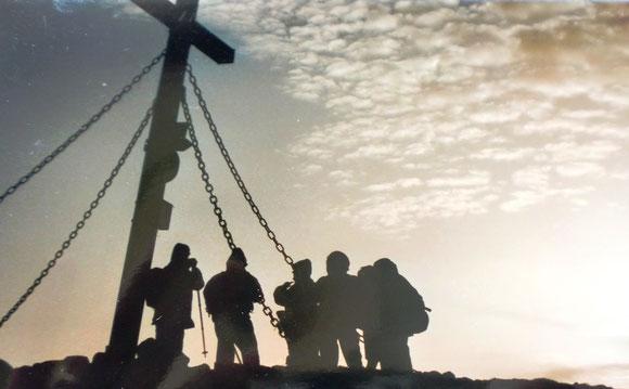 Am Morgen des 2. Tages gibt es eine Andacht beim Gipfelkreuz Gleinalmspeik