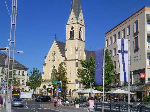 Die Jakobskirche von Villach ist erreicht.Leider müssen wir vorbei,schon hochste Zeit für die Abfahrt mit dem Zug. Aber hier geht es dann weiter zur nächsten Etappe