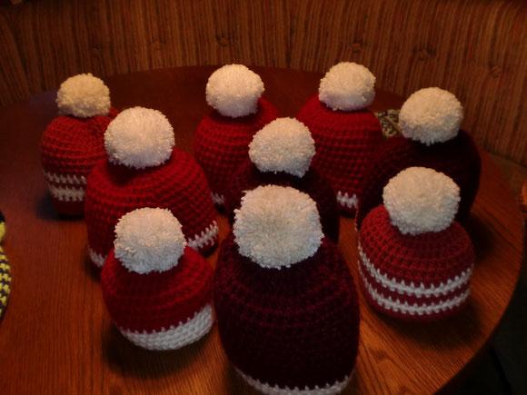 Weihnachtsmannmützen für alle unsere Kleinen in der Familie