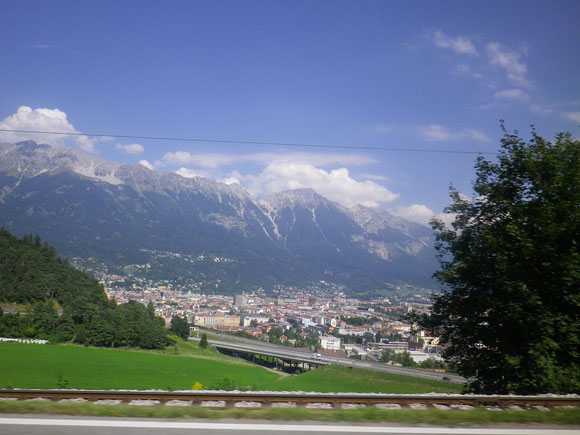 Noch ein Blick auf Innsbruck von der Autobahn aus. Dann heisst es Adios ,vielleicht bis nächstes Jahr ,wenn es hier weiter geht.