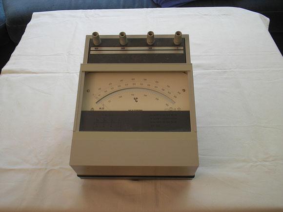 Präzisions  Labor Temperatur Messgerät von  Metra Blansko Ungarn  1989