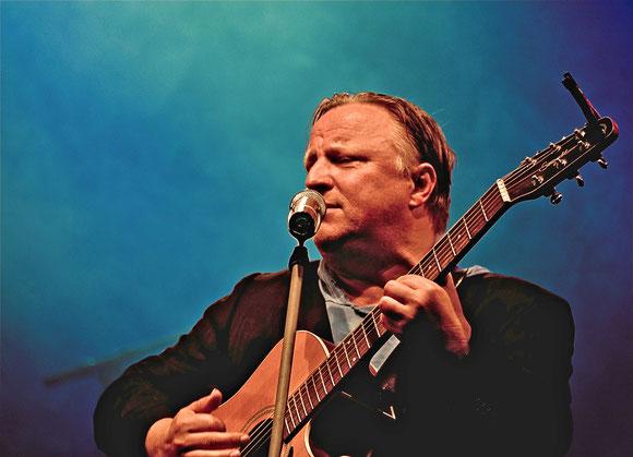 Musiker mit Leidenschaft: Axel Prahl / © Lutz Weigelt/Buschfunk