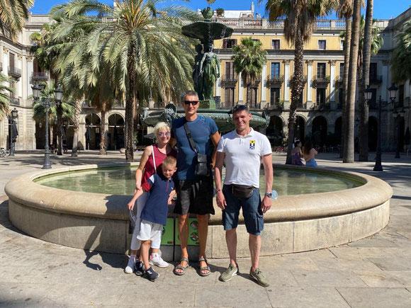 Королевсякая площадь в Барселоне - лучшие места для Инстаграма