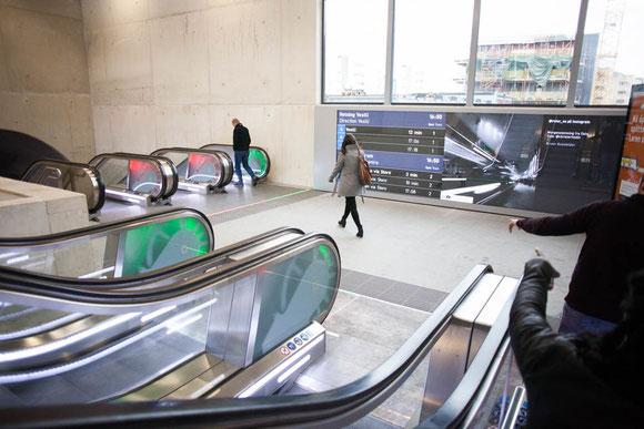このような明るさと広さのあるメトロ駅、オスロ中心部にもぜひ欲しいところだ Photo: Asaki Abumi