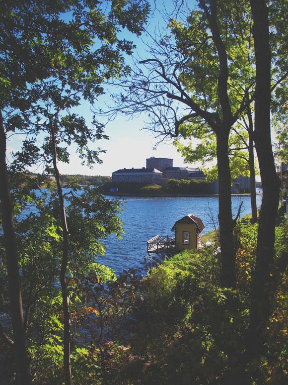 vaxholm archipel ciel mer bleu forteresse suède bigousteppes