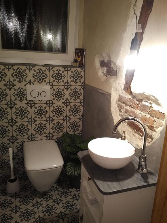Antiker Landhaus-Waschtisch von Land und Liebe