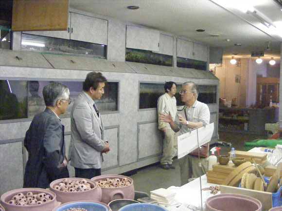 坂本隆司さんと話す農林水産先端技術産業振興センター・岩元理事長