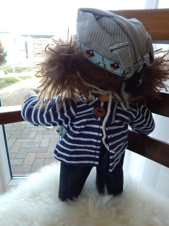 Piratenpuppe, Piratenmädchen, Stoffpuppe, Waldorfpuppe, Rudolf Steiner Puppe, Stoffpuppe nach Waldorfart, Bio-Stoffpuppe, GOTS, Waldorfpädagogik, clothdoll, pirate clothdoll, steiner doll