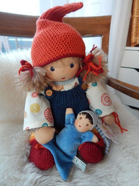 Kleinkind-Schlamperle, Schlamperle, Waldorfpuppe, Kuschelpuppe, Stoffpuppe, Bio-Stoffpuppe, Steiner Puppe, steiner doll, cloth doll, cuddle doll, companion doll, Puppenhandwerk, Pärsch, Nuckelpüppchen, Babypüppchen, Erstlingspuppe