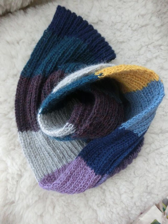 handgestrickter Schal aus Wollresten, Alpakaschal, alpaca scarf, handknitted scarf, shawl, muffler from wool rests