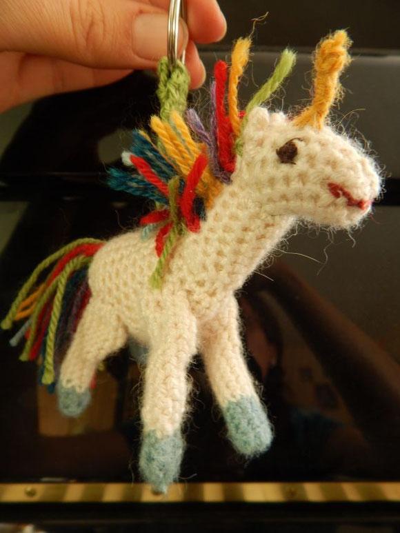 Häkeleinhorn, Häkelpferd, gehäkelter Schlüsselanhänger, crocheted unicorn, mini horse, gehäkeltes Einhorn, Geschenke für die Schultüte