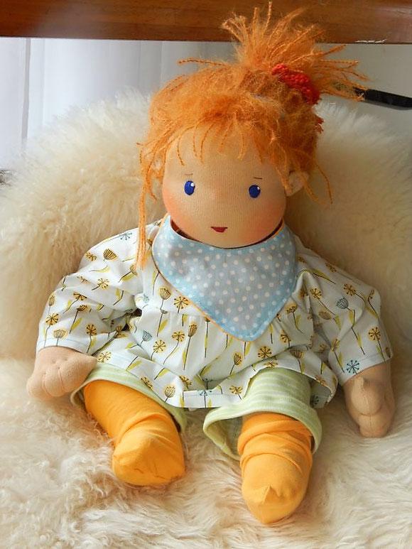 Babypuppe, Babystoffpuppe, Geschwisterpuppe, Wunschpuppe, ökologische Babypuppe, Bio-Babypuppe, Bio-Stoffpuppe, handgemachte Babypuppe, handgefertigte Babypuppe, baby cloth doll, Puppenhandwerk, Pärsch, individuelle Puppe passend zum Kind