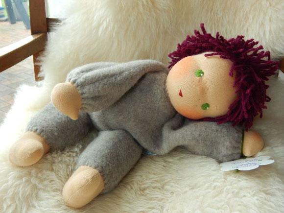 Stoffpuppe, Waldorfpuppe, handgemachte Stoffpuppe, Handarbeit, Bio-Stoffpuppe, Kleinkindschlamperle, Schlamperle, Schlingenstich häkeln, Schlaufenstich häkeln, steiner doll, cloth doll, handmade clothdoll, organic clothdoll