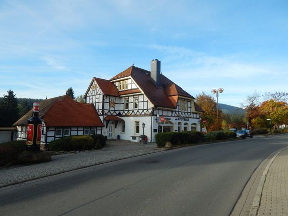 Aus Schierke kommt auch der Schierker Feuerstein, ein Kräuterlikor, benannt nach den Schierker Feuersteinen, einer Felsformation in der Nähe