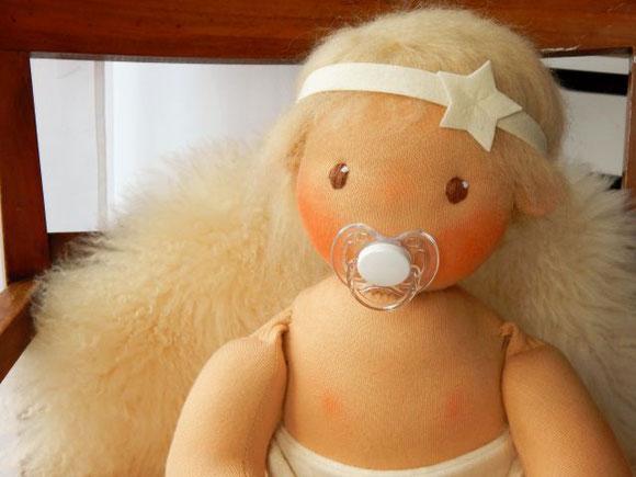 Babypuppe, 50cm große Babypuppe, Puppe von Größe eines Neugeborenen, Stoffpuppe, handgemachte Stoffpuppe, ökologische Puppe, Kinderpuppe, Puppenhandwerk, Pärsch, Waldorfbaby, Waldorfpuppe, baby doll Waldorf style