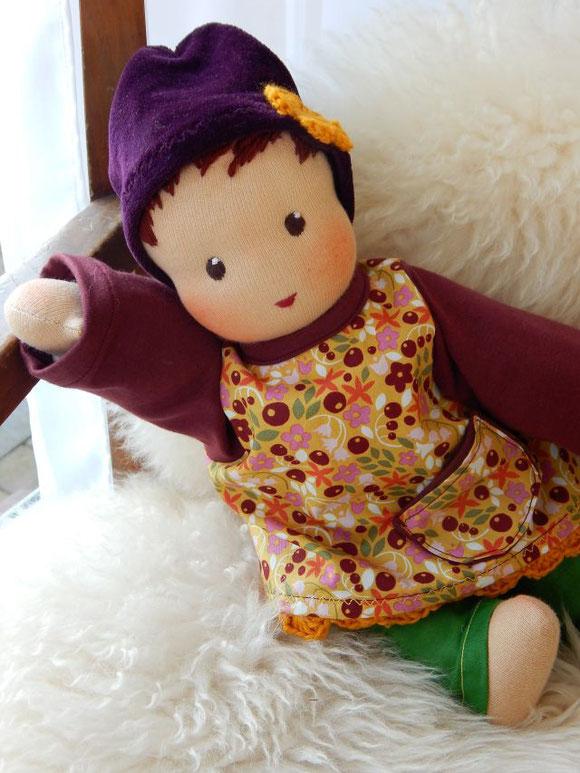 Puppenhandwerk, handgemachte Stoffpuppe, ökologische Kinderpuppe, Waldorfpuppe Handarbeit, Schlamperle-Puppe, erste Puppe, Puppe passend zum Kind, individuelle Puppe, individual companion doll, handmade cloth doll, organic steiner doll, Bio-Stoffpuppe