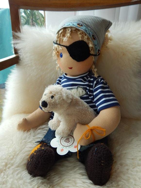 Piratenpuppe, Stoffpuppenjunge, Puppenjunge, Waldorfpuppe, handgemacht, Handarbeit, steiner doll, cloth doll, handmade