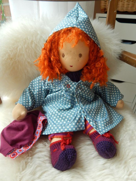 Puppenregenmantel, Regenmantel Puppe, Stoffpuppe, handgemacht, Waldorfpuppe, Waldorf, Steiner Puppe, Pippi, rote Haare, steiner doll, cloth doll