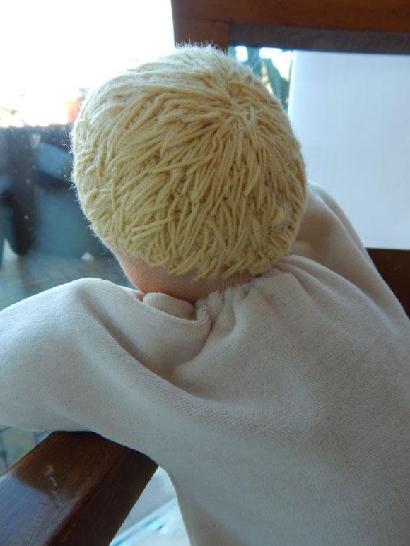 Schlamperle, Kuschelpuppe, handgemacht, Babypuppe, Baby-Schlamperle, Waldorfpuppe, steiner doll, cloth doll, cuddle doll, Nickipuppe, Pärsch, Puppenhandwerk, erste Puppe, gesticktes Haar, Haare gestickt
