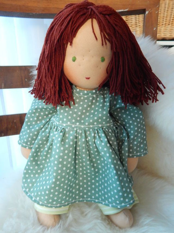 handgemachte Stoffpuppen, handgemachte Puppen nach Waldorfart, Puppen wie Waldorfpuppen, ökologische Kinderpuppen, Bio-Stoffpuppe, individuelle Wunschpuppe, organic cloth doll, companion doll, handmade waldorf style doll, steiner doll