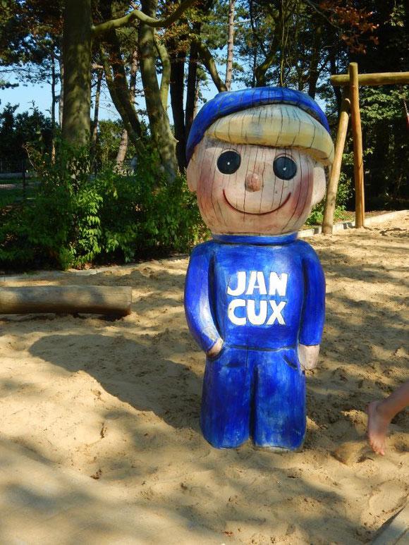 Jan Cux auf dem strandnahen Spielplatz