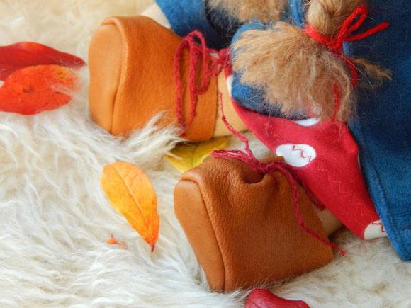 Puppenschuhe, Puppenschühchen, Puppen-Lederschühchen, Lederstiefelchen für Puppen