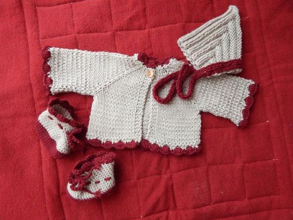 Strickkleidung für Puppen