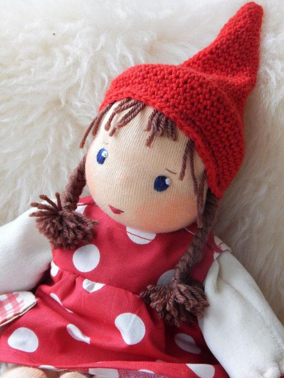 Pippa, Pippa-Puppe, Pippa-Schlamperle, Daniela Drescher, Pippa als Puppe, Stoffpuppe, handgemacht, Bio, Waldorfpuppe, erste Puppe, Puppenhandwerk