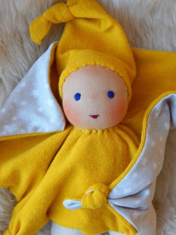 Tuchpuppe, Kuschelpuppe, erste Puppe, handgemachte Erstlingspuppe, handgefertigte Puppe, Stoffpuppe, Bio-Stoffpuppe, Bio-Kuschelpuppe, individuelle Puppe passend zum Kind, Sternen-Puppe, Puppenhandwerk Pärsch, ökologische Kinderpuppe,  Wunschpuppe