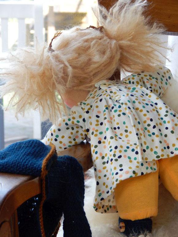 Bio-Stoffpuppe, Wunschpuppe, Puppe für das innere Kind, inneres-Kind-Arbeit, handgefertigte Puppe, handgemachte Stoffpuppe, ökologische Kinderpuppe, individuelle Puppe passend zum Kind, Wunschpuppe, Puppe nach Wunsch, Puppenhandwerk, Jennifer Kliem-Pärsch