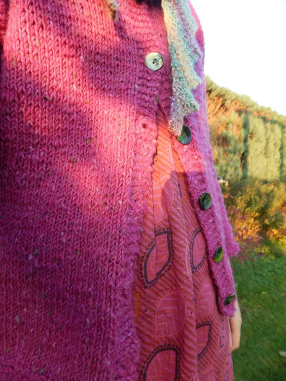 Irish tweed cardigan, Strickjacke aus irischem Tweed, Perlmuttknöpfe