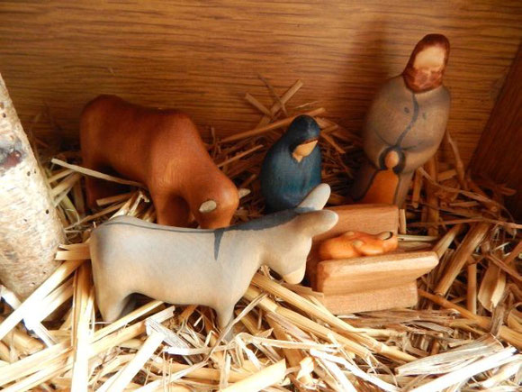Holzfiguren, Weihnachtskrippe, Buntspechte