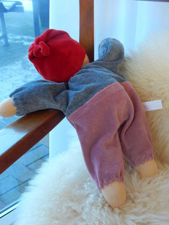 erste Puppe, Erstlingspuppe, individuelle Puppe, Wunschpuppe, Kuschelpuppe, handgemachte Stoffpuppe, ökologische Kinderpuppe, erster Begleiter, Puppenfreund, handgefertigt, Bio-Stoffpuppe, Puppenhandwerk Pärsch, Puppenhandwerk, cloth doll, cuddle doll