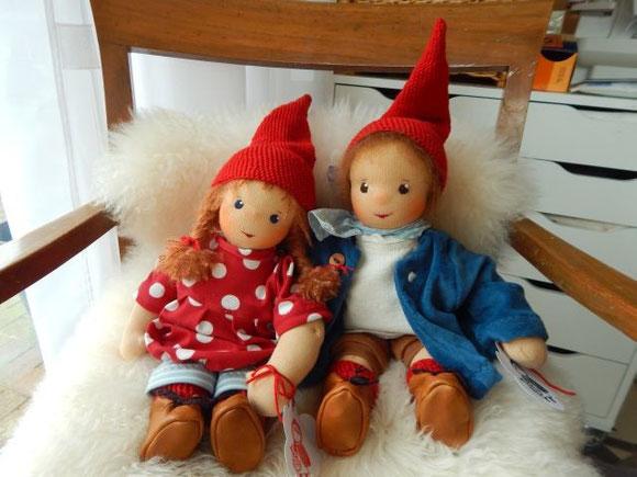 Pippa und Pelle, Daniela Drescher, Verlag Urachhaus, Stoffpuppe, Waldorfpuppe, nach Waldorfart, Bio-Stoffpuppe, cloth doll, cuddle doll, handmade cloth doll, organic clothdoll