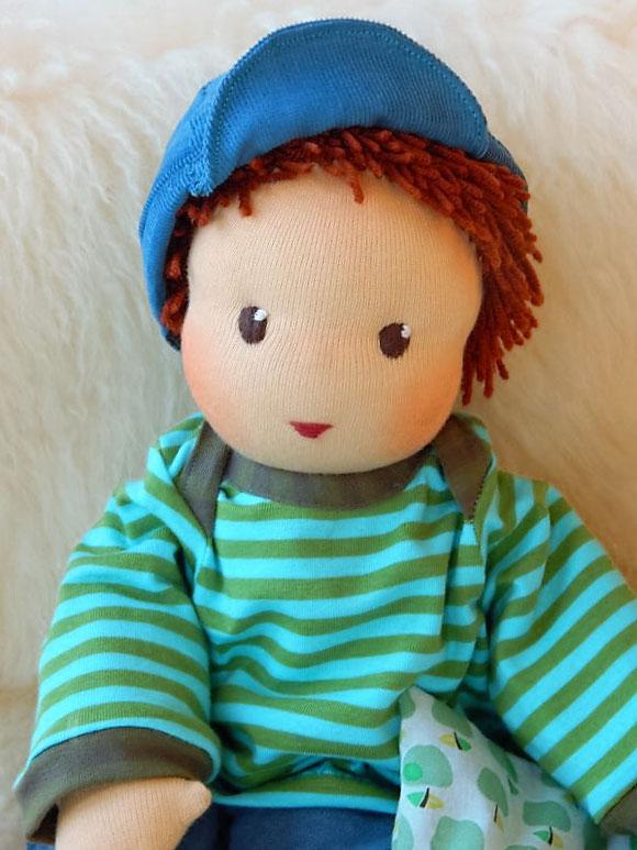 Schlamperle, Puppenjunge, Kinderpuppe, Kuschelpuppe, Puppenfreund, ökologisch, nachhaltig, Puppe, handgemacht, Handarbeit, handgefertigt, Puppenhandwerk, Pärsch, cloth doll, companion doll, Waldorf, erste Puppe