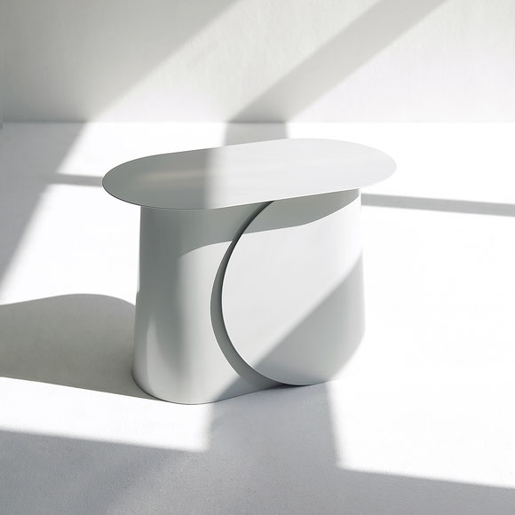 MAKI side table large by Martin Tony Häußler