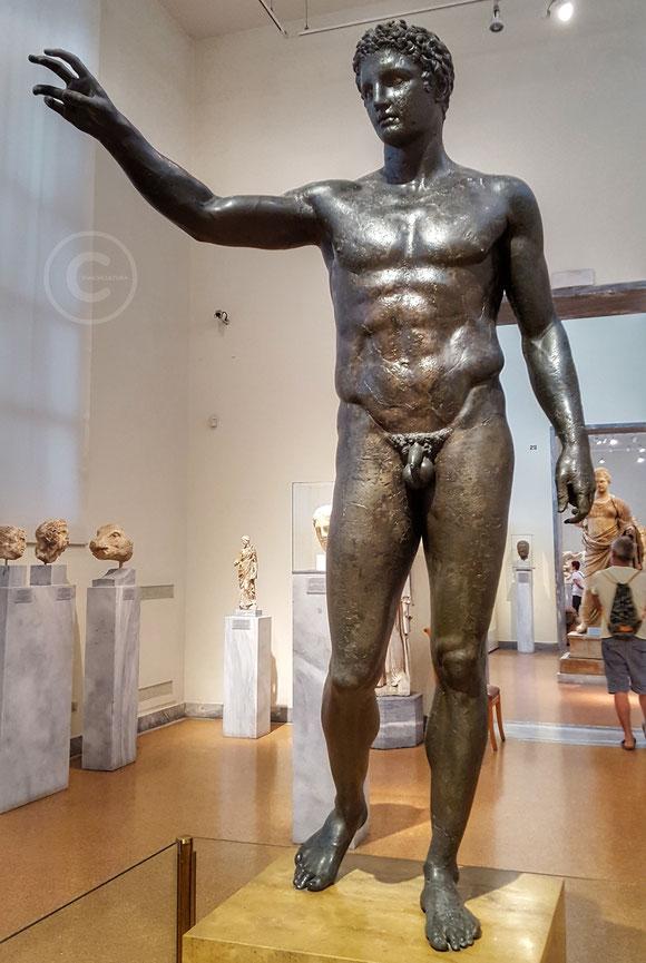 Efebo di Antikythera, Museo Archeologico di Atene