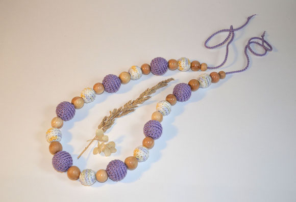 В комплекте к бусам можно сделать браслет ,слингопрорезыватель,съемные слингоигрушки!,общая длина шнурочка -110 см, длина сегмента с бусинами - 56 см , размеры обвязанных бусин -2,5 и 2 см, размер мо