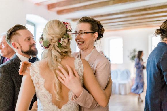 Hochzeitsrednerin Stella unterwegs in der Pfalz - Foto: Isabell Kauther Fotografie